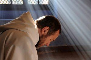 kapłan zakonnik