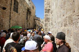jerozolima ziemia święta wielkanoc pielgrzymi ludzie procesja