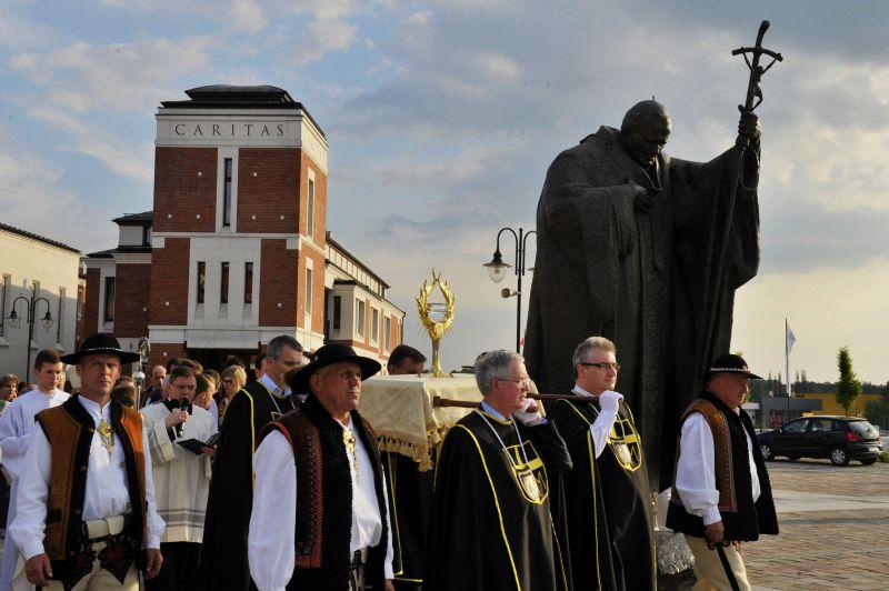 Nabożeństwo ku czci św. Jana Pawła II 6