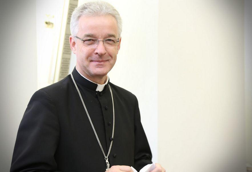 Bp Wiesław Lechowicz