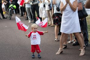 polska flaga dziecko