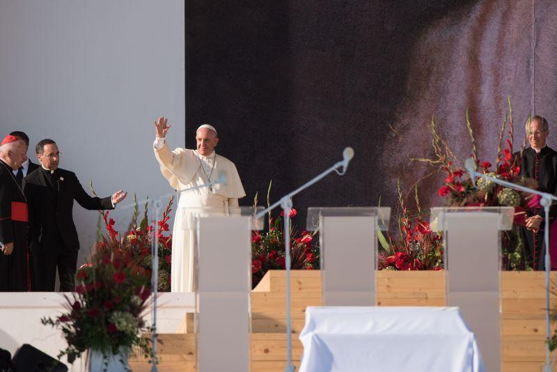 ŚDM - Droga krzyżowa z papieżem Franciszkiem na Campus Misericordiae