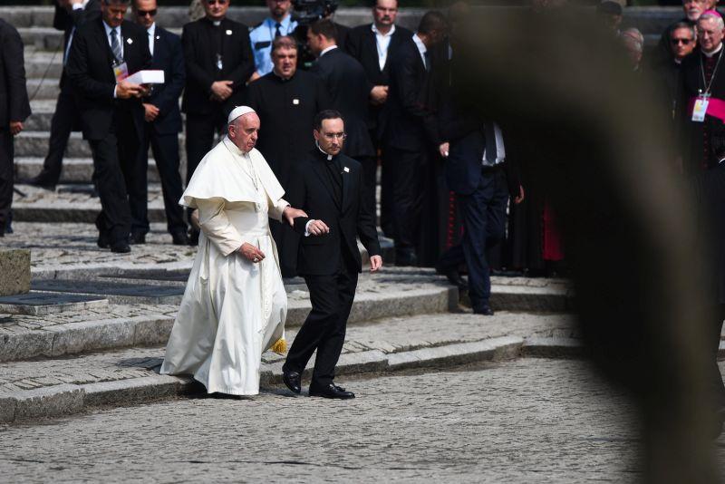 Papież Franciszek w Birkenau