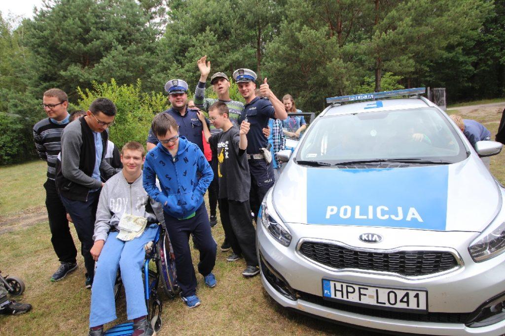 niepełnosprawni pomoc policja