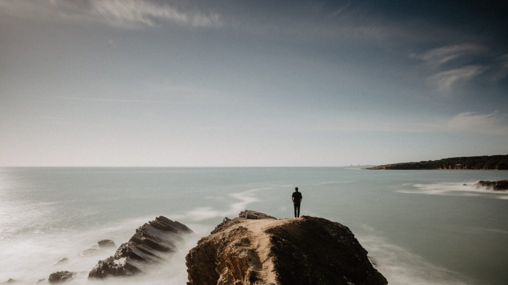 morze człowiek modlitwa samotność