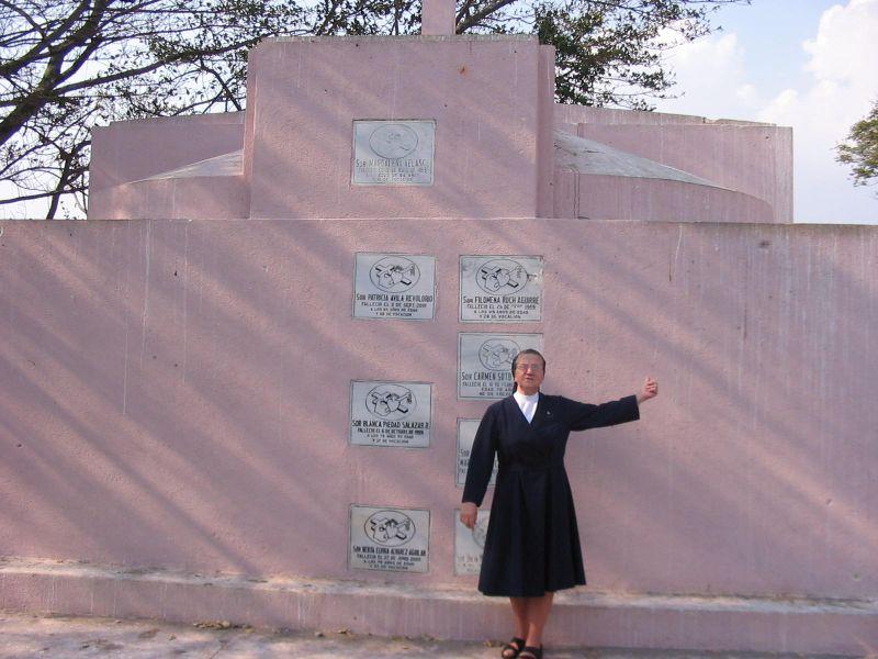 Grób sióstr, w którym pochowano s. Samulowską