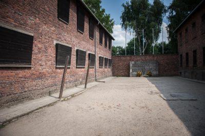 Auschwitz Birkenau Ściana straceń Żydzi
