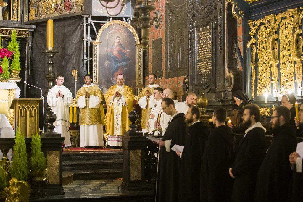 Dzień Życia KOnsekrowanego w bazylice mariackiej w Krakowie