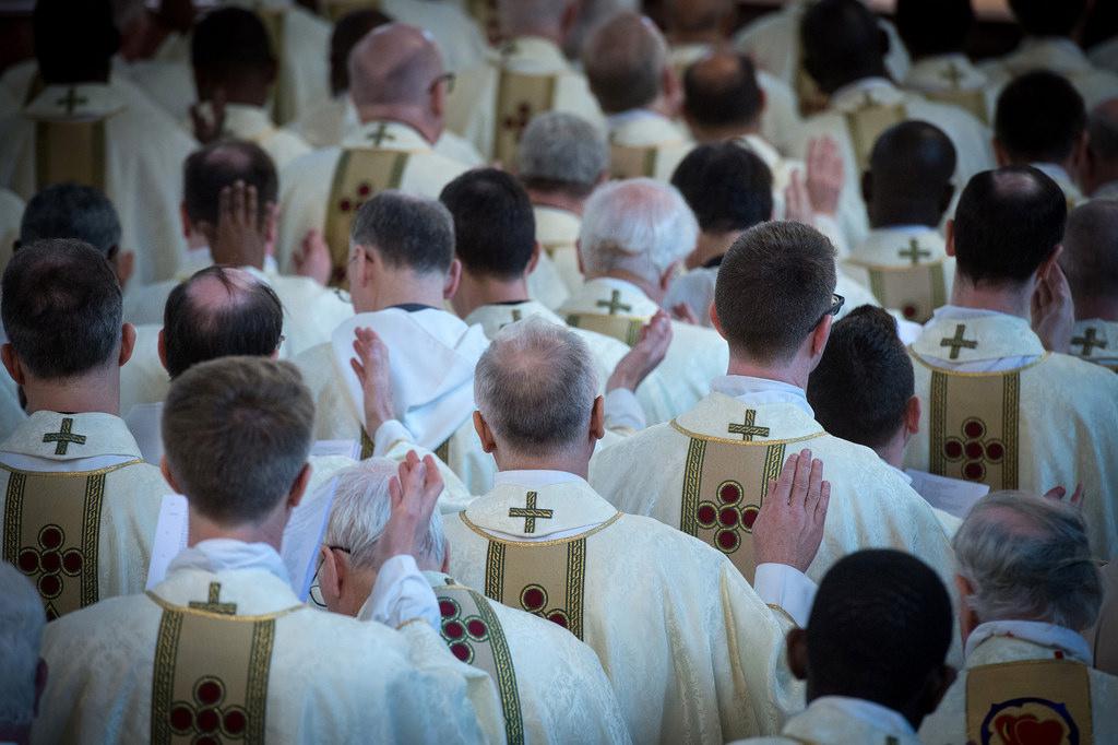 duchowni kapłani księża