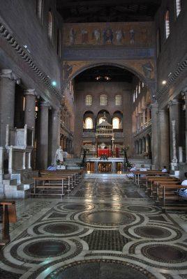 Wnętrze bazyliki św. Wawrzyńca za Murami w Rzymie