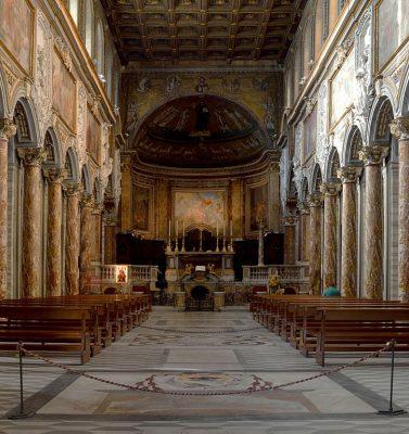 Wnętrze bazyliki św. Marka w Rzymie