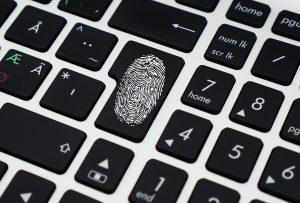 Komputer, dane osobowe, klawiatura, śledztwo, tajemnica,