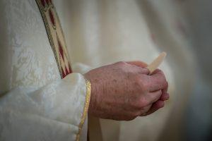 Eucharystia Msza kapłan hostia