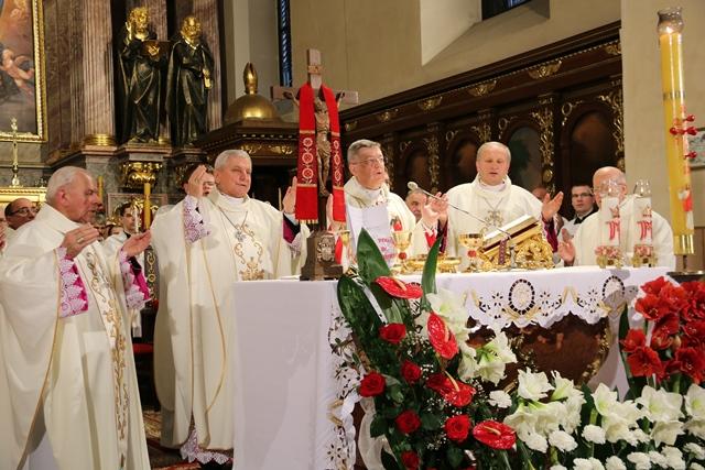 Bp Leszczyński w sanktuarium św. Józefa