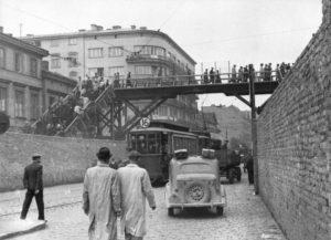 Getto Warszawskie, kładka nad ulicą Chłodną