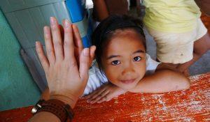 Dziecko wolontariat pomoc