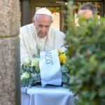 Papież odwiedził Muzeum Okupacji i Walki o Wolność w Wilnie