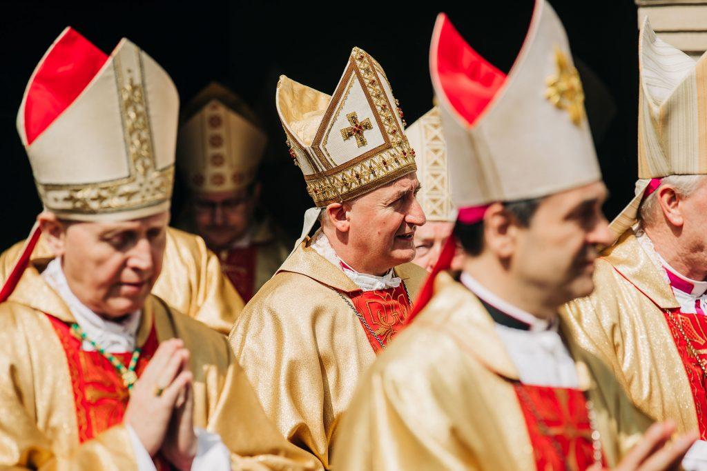 biskupi, episkopat